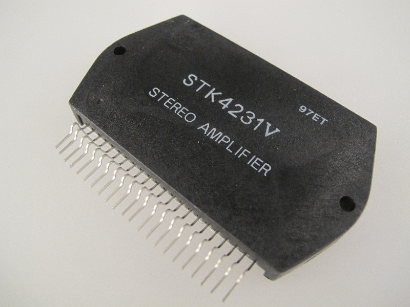 Stereo Amplifier Circuit With Ic An7142
