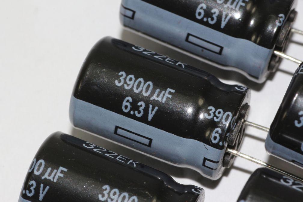 5 X Panasonic Ultra Low ESR 105 Degrees FR Range Radial Electrolytic ...